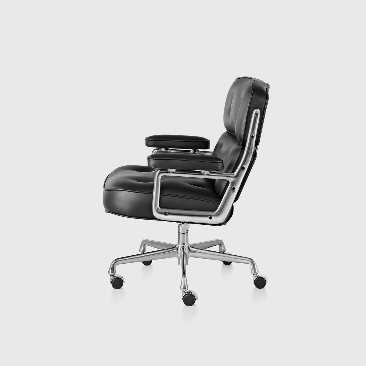 Eames Executive Chair with Casters - Black Leather & Polished Aluminium Frame