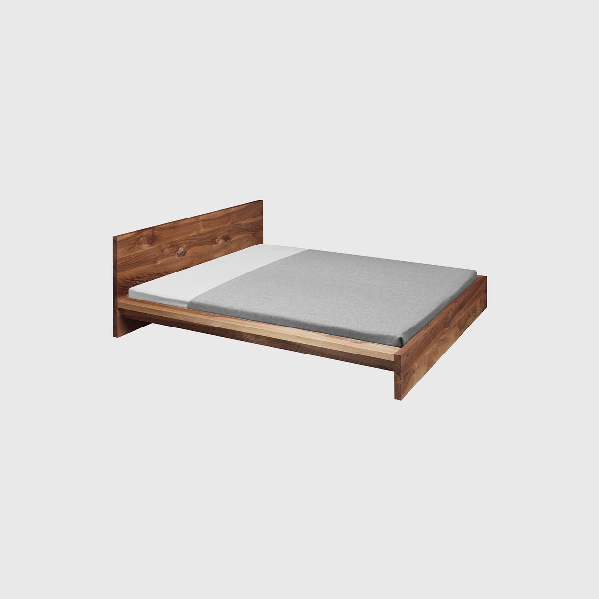Mo Bed, Walnut