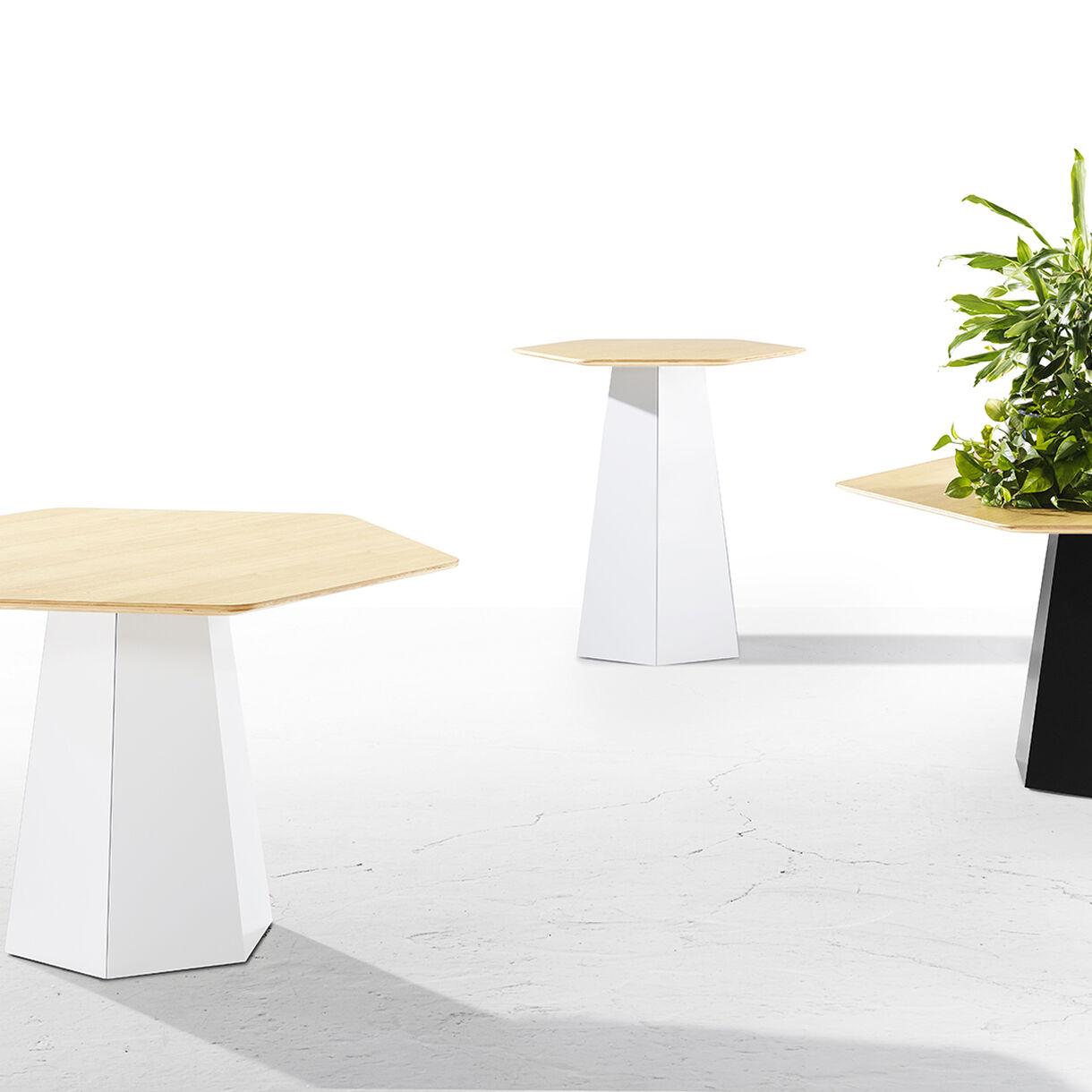 Hext Tables, Lifestyle