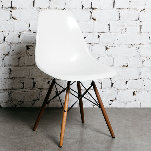 Eames® Moulded Fibreglass Side Chair, Dowel Base