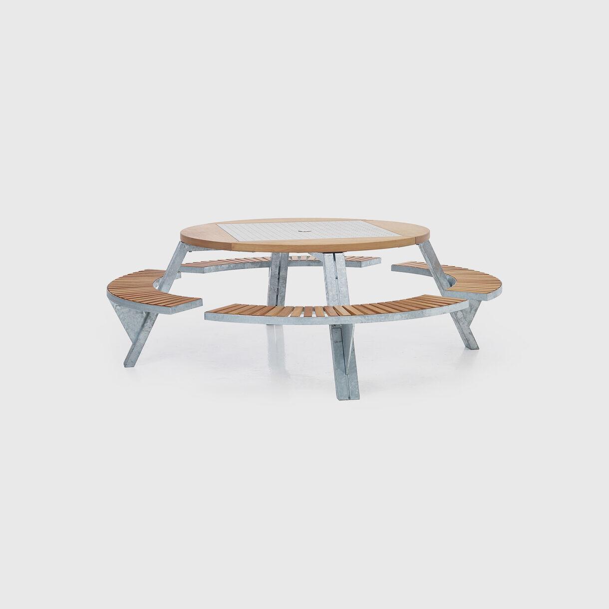 Gargantua Outdoor Table