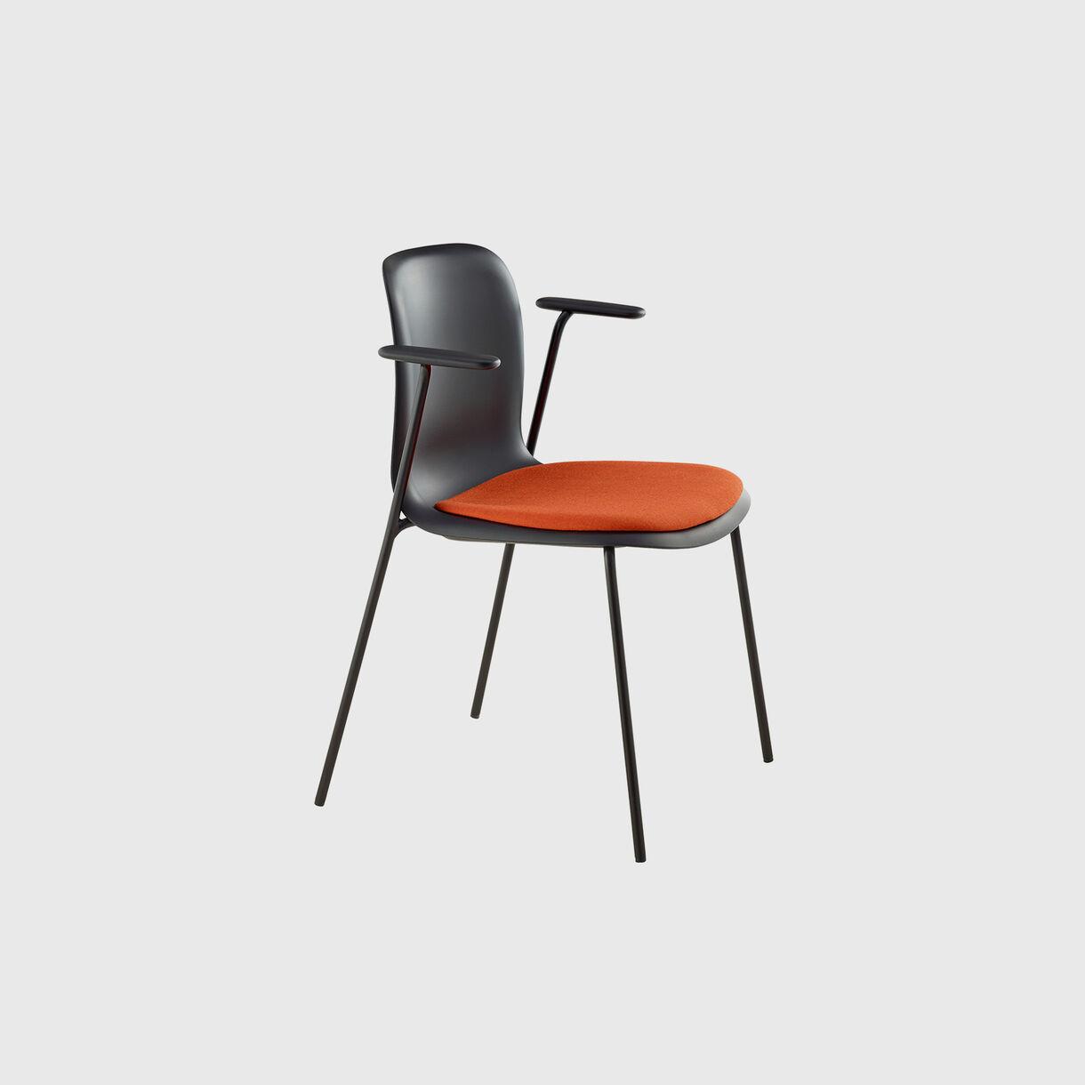 SixE Armchair
