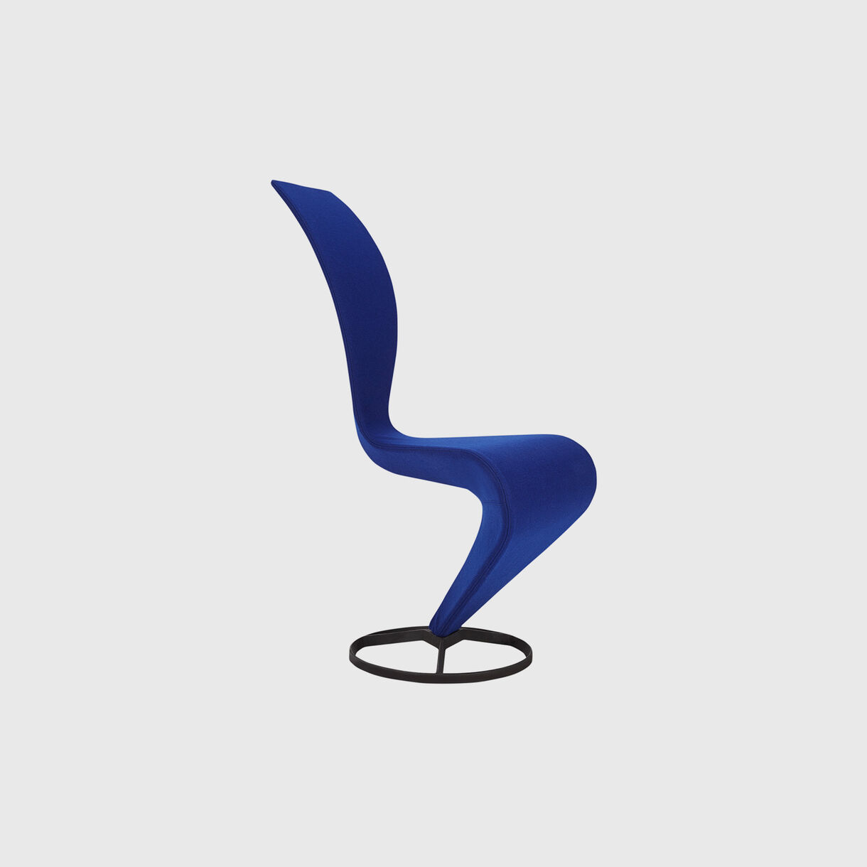 S Chair, Front Angle