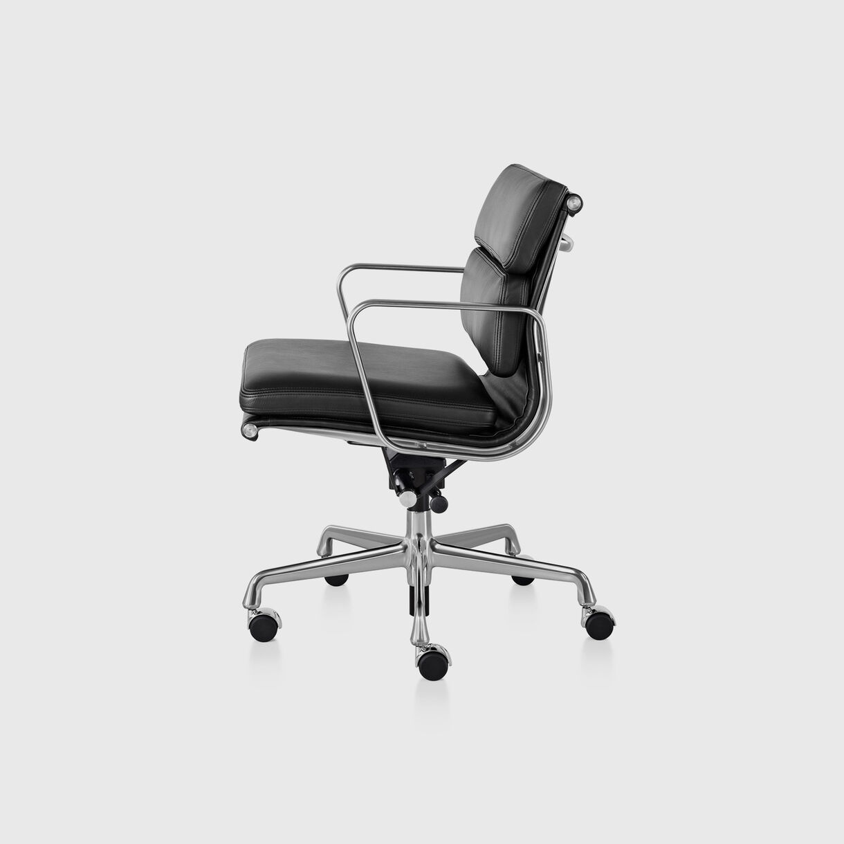 Eames Soft Pad Management Chair, Pneumatic, Polished Aluminium Frame & Black Leather