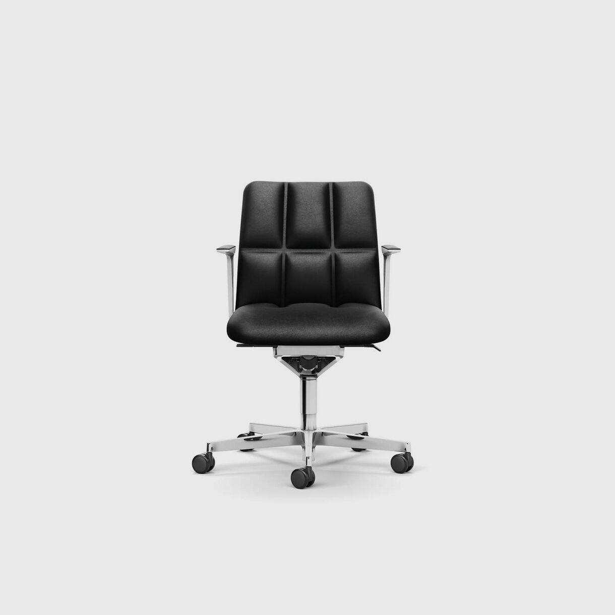Leadchair Management, Low Back, Black