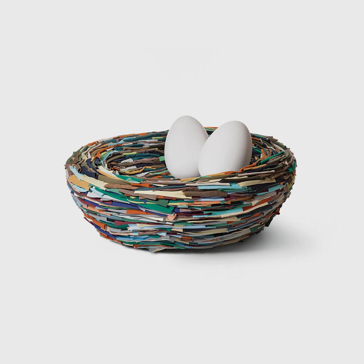 La Cova, Human Sized Nest