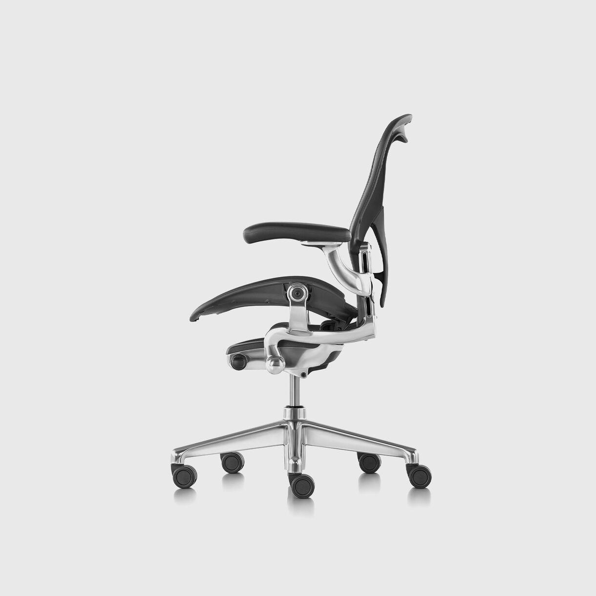 Aeron Chair Remastered, Graphite & Aluminium