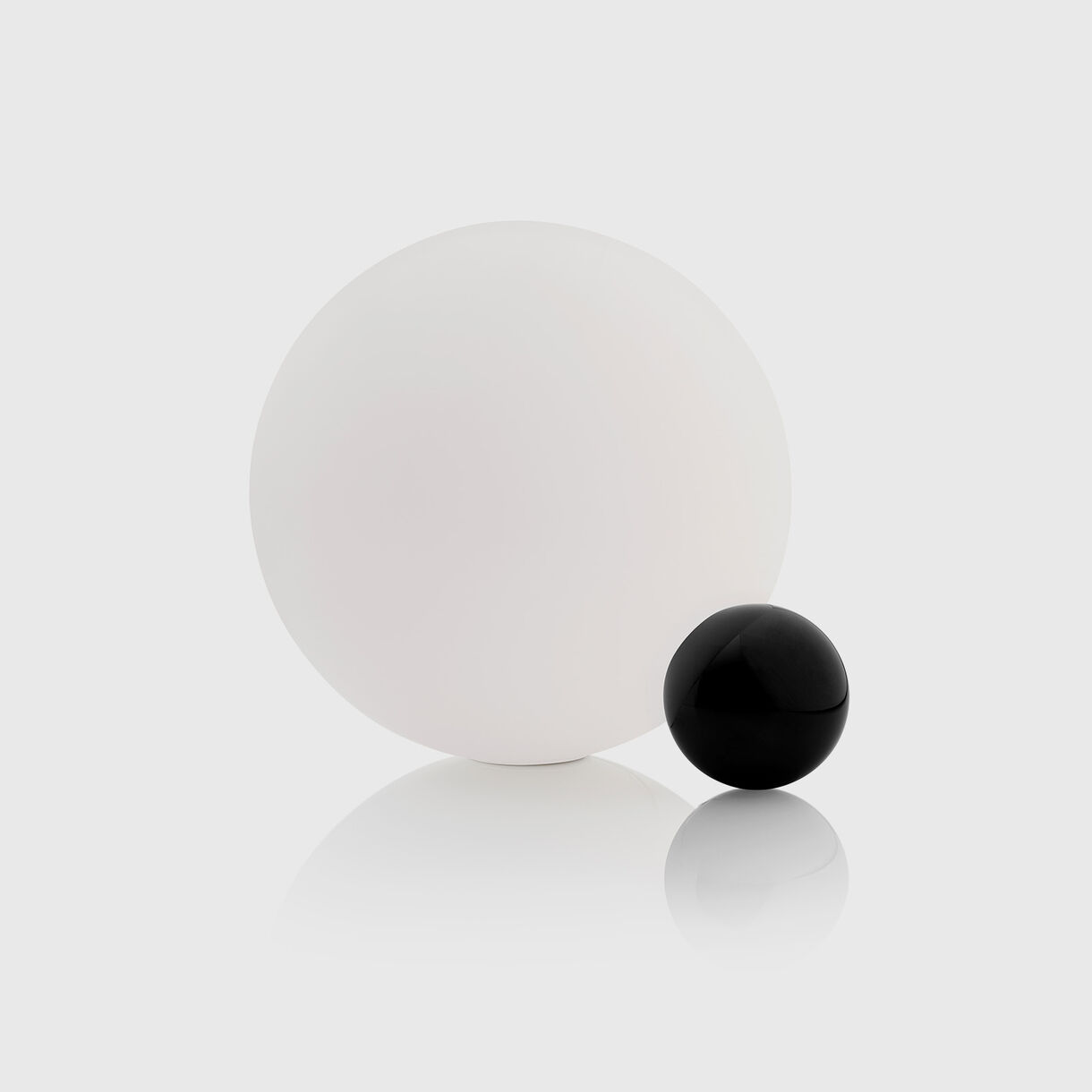 Copycat Table Lamp, Black