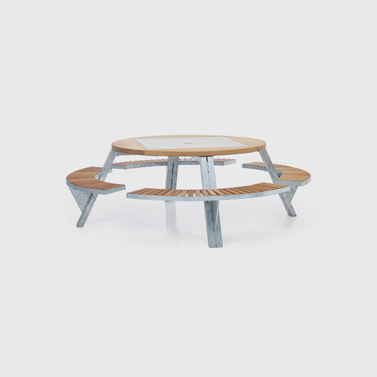 Gargantua Outdoor Table