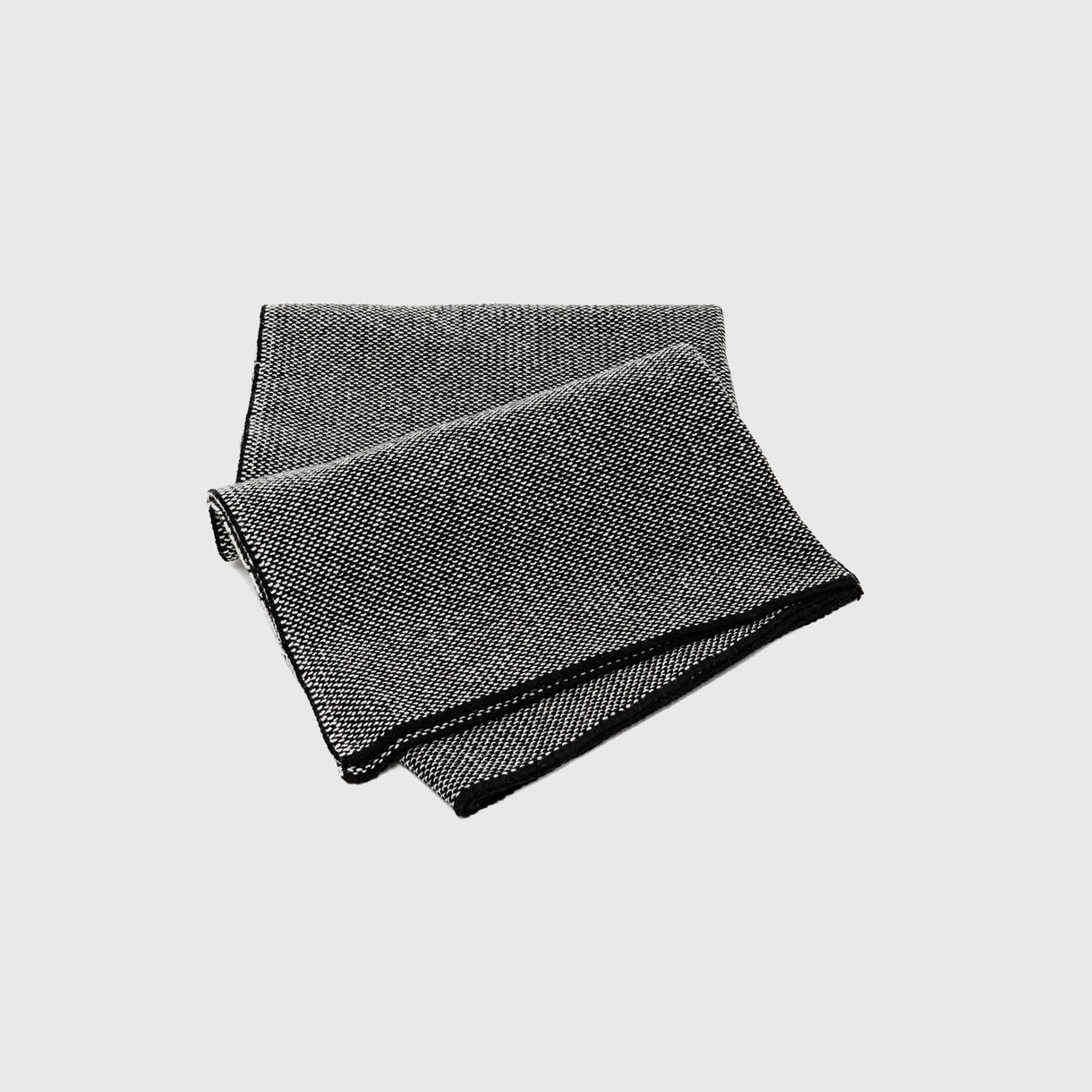 Tramato Blanket, Black