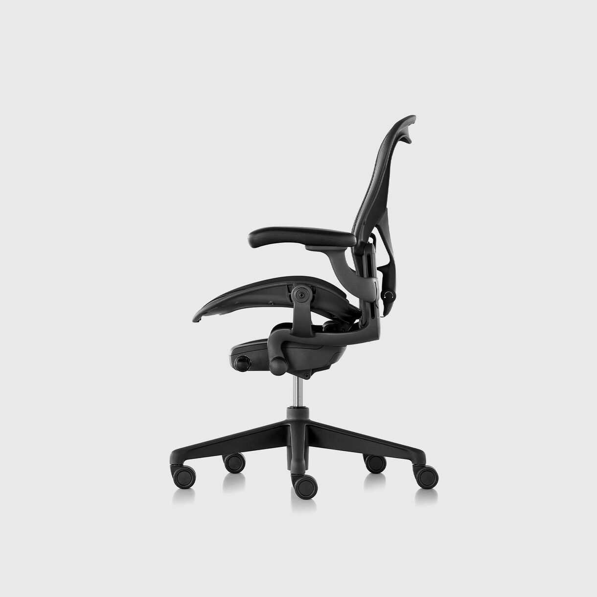 Aeron Chair Remastered, Graphite
