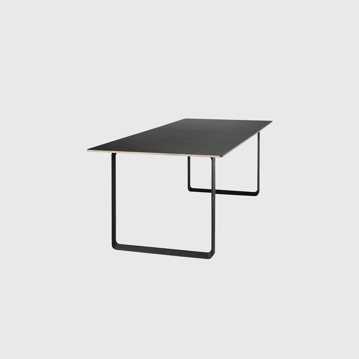 70/70 Table, 1700 x 870, Black