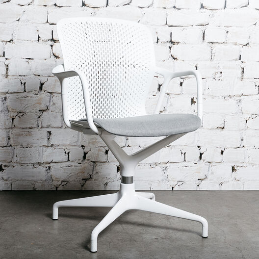 Keyn Chair Pedestal Chair