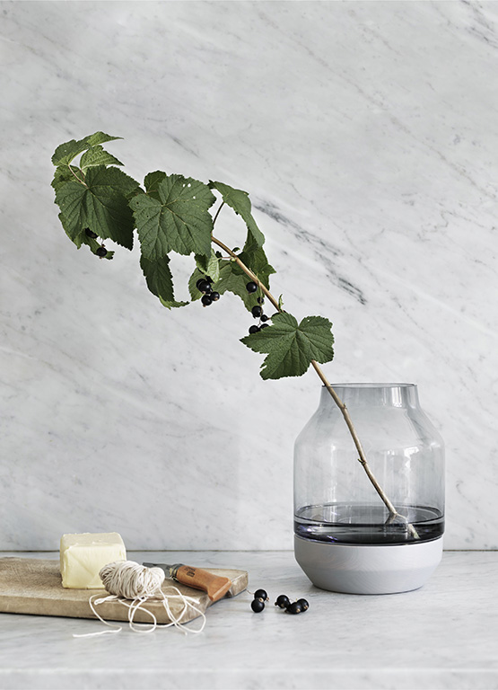 Elevated Vase, Mobile Lifestyle